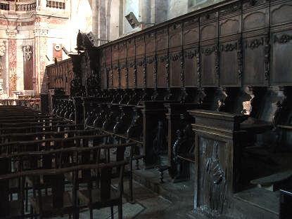 Les stalles des chanoines dans la cathédrale